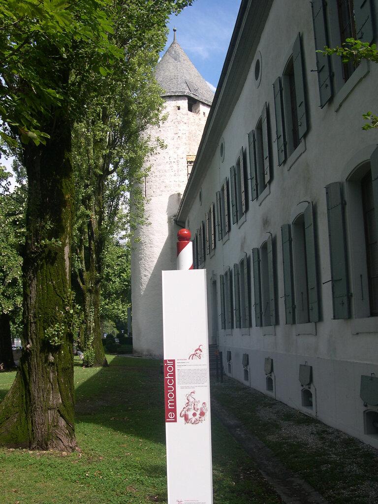 Panneau devant le Musée